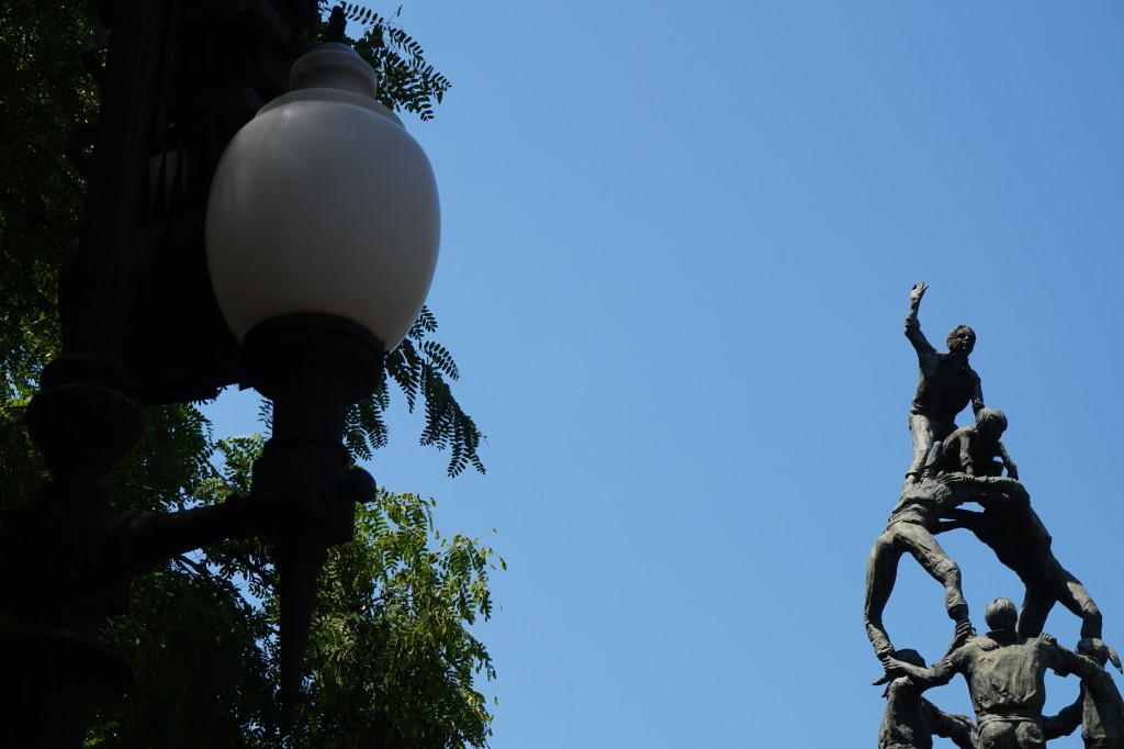 Monumento a los Castellers 3